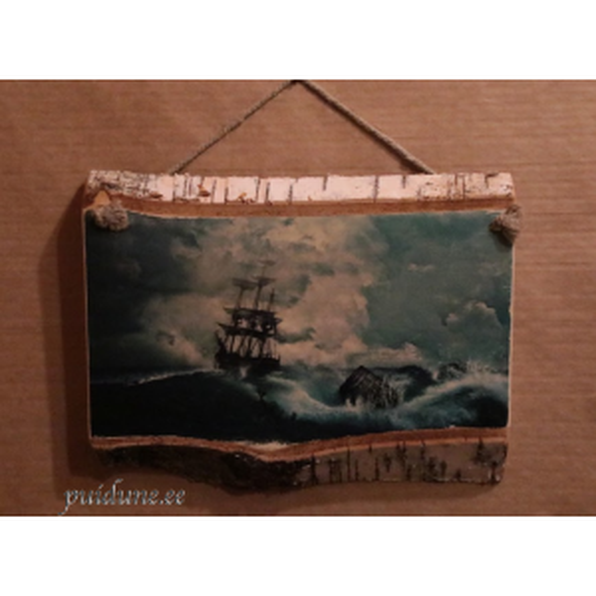 Puidust seinapilt Laev tormisel merel.png