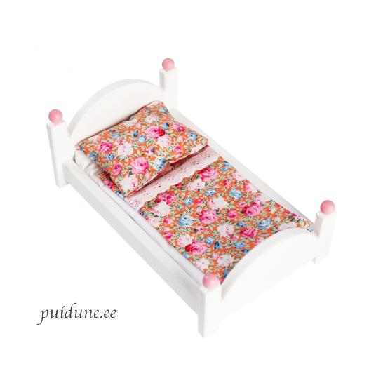 Puidust voodi Barbiele valge.png