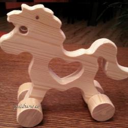 Hobune ratastel (südamega)