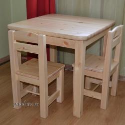 Lastelaud ja 2 väikest tooli (ühetooniline, laud 60x60 cm)