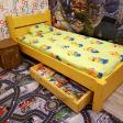 voodi 008, kollane 2, öökapp 006, tumepruun, pesukast 001.png