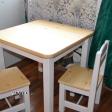 Puidust lastelaud ja 2 tooli lakitud naturaalse lauaplaadiga.png